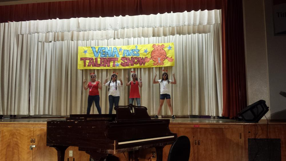 talent show 4 girls